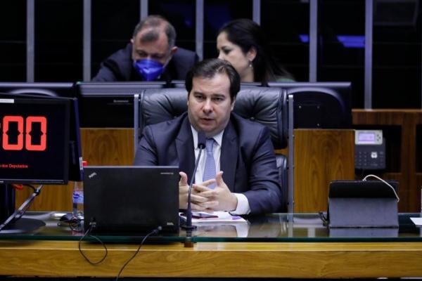 Coronavírus: Câmara aprova PEC que cria 'orçamento de guerra'